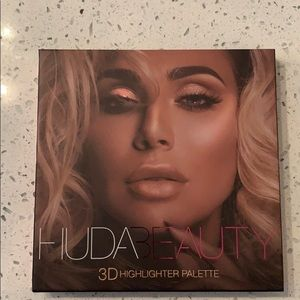 HUDA beauty Highlight Palette Pink Sands Edition
